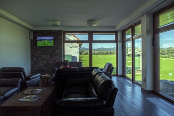 tri-duby-golf-resort-clubhouse-6